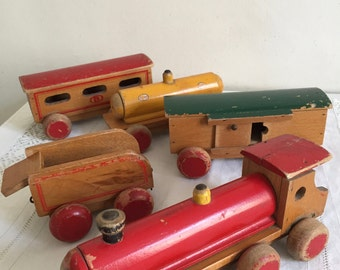 Train, locomotive and cars in wood