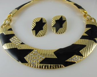 Vintage enamel necklace set, Statement 1980s necklace set, 1980s black gold geometric retro collar, choker necklace and clip on earrings