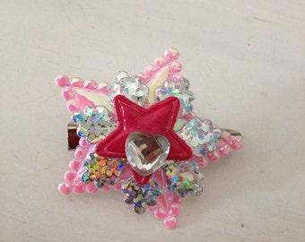 Pretty star brooch