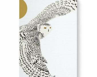Digital art print of a snow owl on canvas, impression art of snowy owl, white on white, white snowy owl, white background