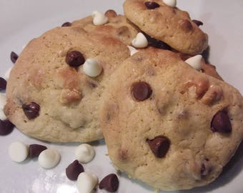 Homemade Mixed Chocolate Chip Cookies - 36 Cookies - Milk Chocolate & White Chocolate Chips