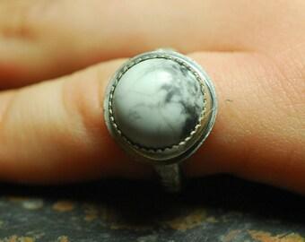 Ring 10-5 1/4, White Howlite, Howlite ring