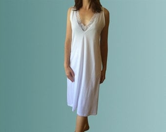 Mustique Organic White Cotton Nightgown with Lace Trim