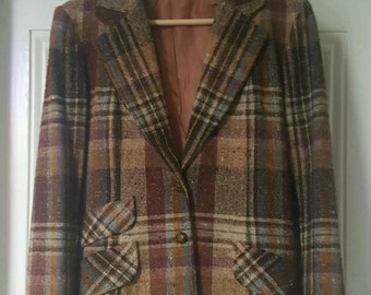 Very unique Vintage Tweed Jacket blazer size 12 fully lined