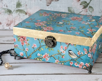 Large - Vintage - Shabby Chic - Jewellery Box - Photo Box - Wedding Box - Stationery Box - Jewelry Box - Christmas or Birthday Gift