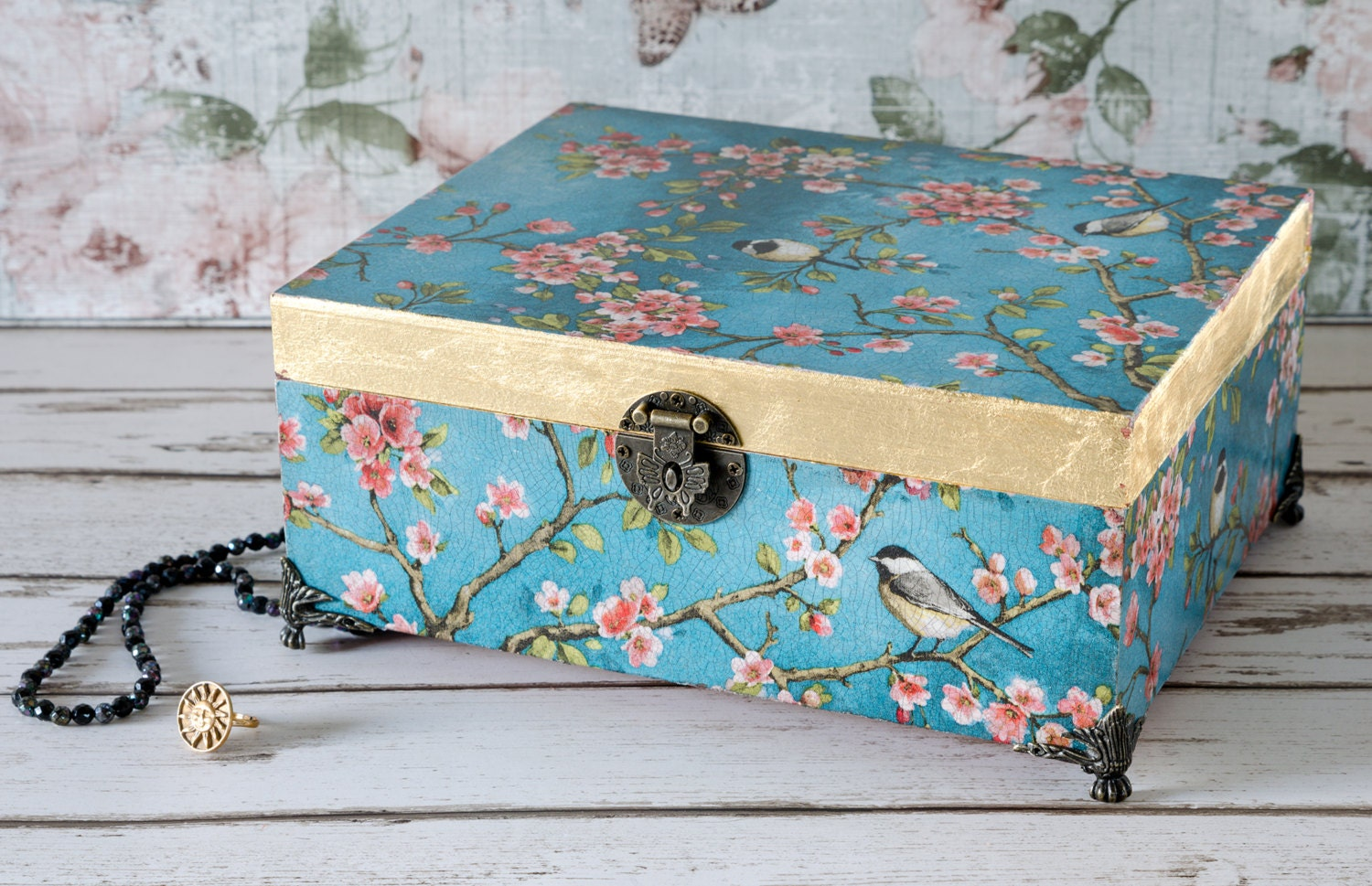large vintage shabby chic jewellery box photo box. Black Bedroom Furniture Sets. Home Design Ideas