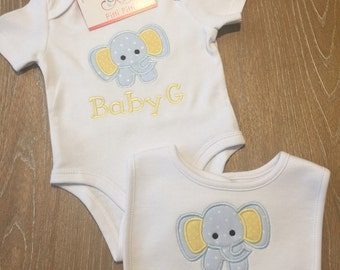 Unisex personalized Elephant Bib, Bodysuit, Shirt or Burp cloth / Personalized baby  gif SET, Newborn SET