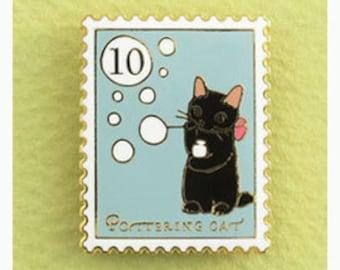 "NEW Pottering Cat ""Bubble"" Pin"
