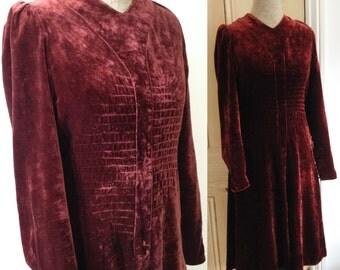 Vintage 1940s 1930s burgundy velvet dress Pin tuck detail Small