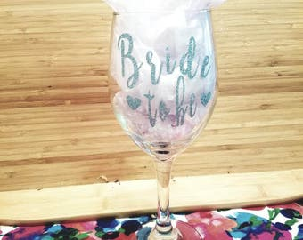 A perfect gift for a new bride, can customize the color and font!