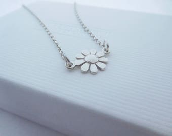 Sterling Silver Daisy Pendant, Daisy Necklace, Flower Shaped Pendant, Birthday gift, Bridesmaid Gift, Bridal gift, longer chain available