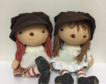 Handmade doll. BONNET FRIEND. Country doll. Fabric doll.