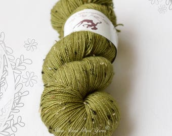 DONEGAL TWEED SOCK - Artichoke - hand dyed sock yarn, blend of merino wool and donegal nepps