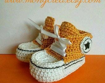 Crocheted mini sneakers - mini tiny cute Turnschuhe scarpe da tennis bimbi babies baby zapatitos sapatinhos