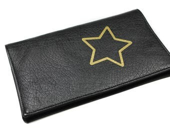 door-checkbook black faux leather man woman model star