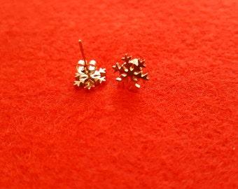 Rose Gold Snowflake stud earrings, Dainty earrings, Snow ,Snowflake,Birthday Gift