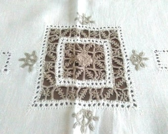 Florentine embroidery tablecloth, linen tablecloth, tablecloth, old antique embroidery