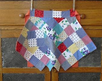 Vintage Patchwork Waist Apron, Reversible, Square Sash, Zig Zag Skirt, Square Pocket, Country Apron, Kitchen Cooking Apron, Farmhouse Apron