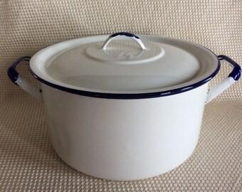 Beautiful vintage enamel kitchen pan soup tureen kitchen casserole camping cookware