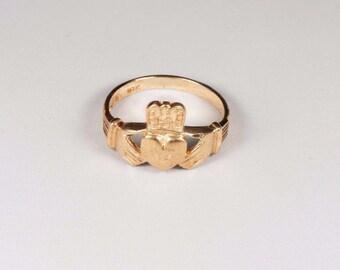 10K Yellow Gold Irish Claddagh Ring, size 7