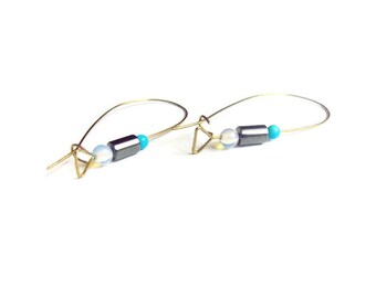 Contemporary wire earrings. Everyday brass earrings. Geometric jewelry. Blue earrings. Turquoise beaded earrings. Minimalist jewelry