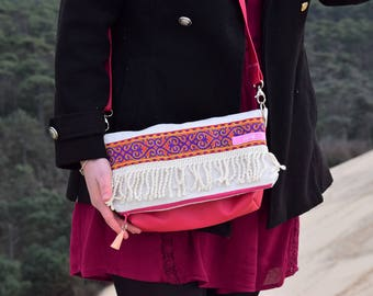 Messenger flap bag: the small Hindu