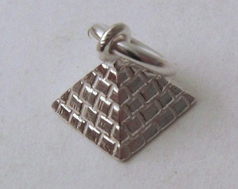 Genuine Solid 925 Sterling Silver Egyptian Pyramid Charm/Pendant