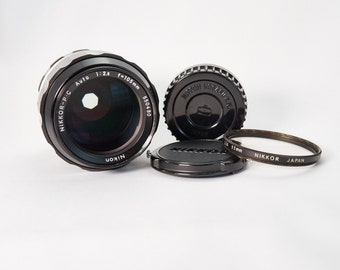 Nikkor-P 105mm f/2.5 Lens Kit