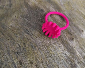 Forest Flower ring, bright pink, modern jewellery, 3D printed strong and flexible plastic ring, daisy, blossom, forest ring, Valentine gift