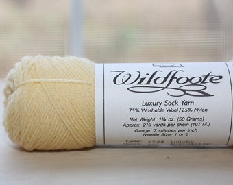 Wildfoote yarn, color SY34, lot 017   Lullaby    (light yellow)