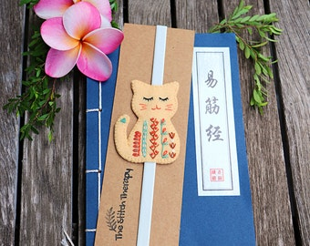 Hand Embroidered Felt Bookmark;Yellow Cat;Felt;Gift for Bookworms,Students and Teachers;Teacher Appreciation Gift;Bookclub Gift