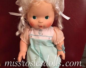Vintage 1982 Strawberry Shortcake Baby Apricot Blow Kiss doll