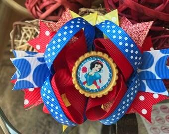 Snow White bow snow white birthday bows snow white hair bows Snow White outfit baby Snow White outfit disney bow Snow White birthday disney