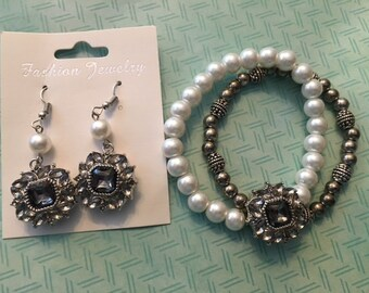 Great Jewelry Set - Beaded Interchangeable Snap Bracelet and Earrings - 18mm Gray Snaps Complete Your Look!