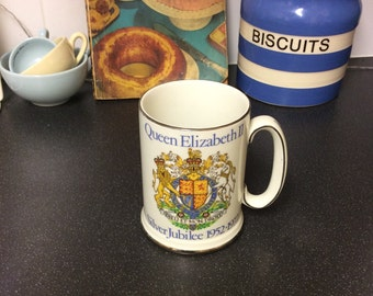 Vintage 1977 Queen Elizabeth 2nd Silver Jubilee Pottery Tankard, Pint Beer Tankard, British Royal Family Memorabilia, Wood and Sons