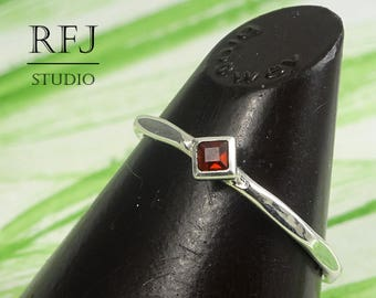 Kite Earth Mined Garnet Faceted Silver Ring, January Birthstone Minimal Rhombus Promise Ring Princess Cut 2x2 mm Red Garnet Stackable Ring