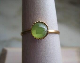 Vintage Gold Tone & Green Rhinestone Ring