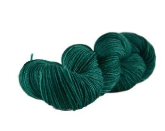 Sport Yarn, Merino yarn, sport weight yarn, superwash wool yarn, 100% Superwash Merino, green, merino sport, hand dyed - Emerald