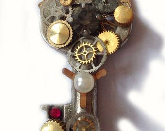 steampunk key Schlüssel pendant necklace cave treasure