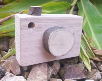 Natural wooden camera. Made sustainably from fallen trees and sustainable tasmanian oak. Waldorf/steiner toy. Wooden toy, child's game gift