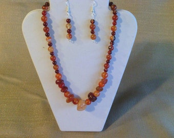 135 Beautiful Genuine Red  Agate Nuggets and Beads Beaded Necklace