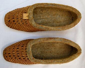 Rare Hand Woven Women's Straw Slippers/1920s Women's Slippers/Rare 1920s Woven Slippers/Straw Terry-Lined Women's Slippers