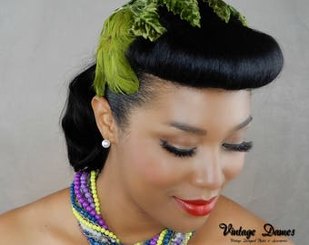 1940s 1950s Green Vintage Headband Hat with Velvet Leaves and Feathers