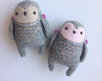 Pink and beige amigurumi owlets, crocheted toy owlet, collectible toy, owl talisman