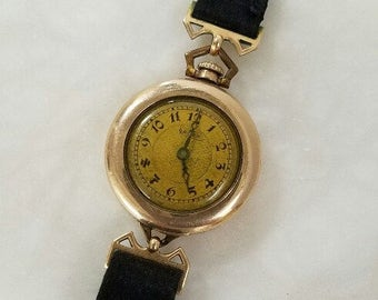 Ladies Watch - Early Gruen – Converts from Pocket or Lapel Watch to an Early Ladies Wrist Watch