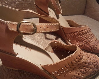 Vintage dolcis wedge sandals 8
