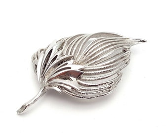 Modern Silver Tone Metal Leaf Brooch Vintage from the 80s Modernist Icy Symbol Emblem Tree Runway statement jewelry