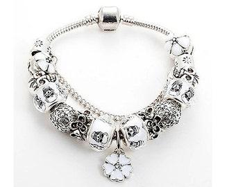 Skull Charm Bracelet - Halloween Jewelry, Halloween Bracelet, Skull Jewelry, Christmas Bracelet, Skull Bracelet, Christmas Jewelry