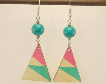 Earrings triangles of turquoise and pink wood, silver and turquoise glass bead