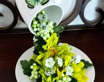 floral optical illusion center piece